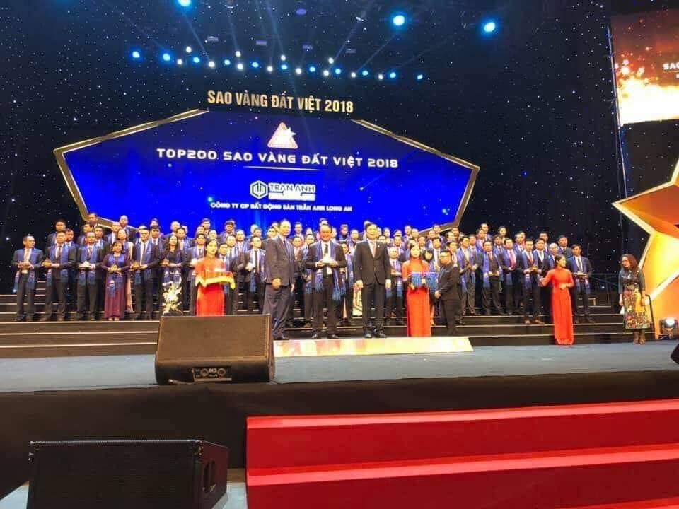 tran-anh-group-nhan-giai-sao-vang-dat-viet-2018